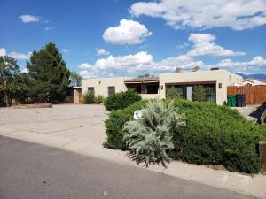 9916 GREENE Avenue NW, Albuquerque, NM 87114