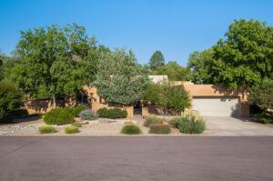 2127 MANCHESTER Place NW, Albuquerque, NM 87107