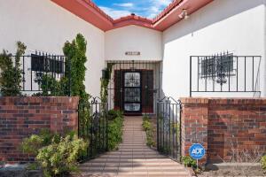 9611 LAGRIMA DE ORO Road NE, Albuquerque, NM 87111