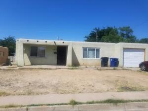 10905 PHOENIX Avenue NE, Albuquerque, NM 87112