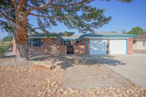 2901 ESPANOLA Street NE, Albuquerque, NM 87110