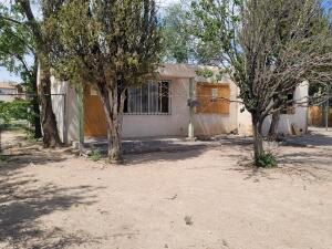 525 S RHODE ISLAND Street SE, Albuquerque, NM 87108