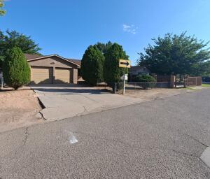 151 LA MEDIA Road SW, Albuquerque, NM 87105