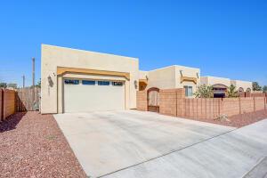 4005 GRANDE Drive NW, Albuquerque, NM 87107
