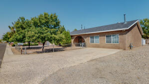 2801 DESERT GARDEN Lane SW, Albuquerque, NM 87105
