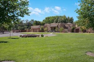 4608 LOS POBLANOS Circle NW, Los Ranchos, NM 87107