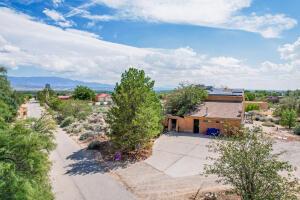 593 RECLINING ACRES Road, Corrales, NM 87048