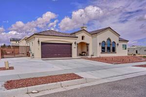 6427 Petirrojo Road NW, Albuquerque, NM 87120