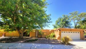 49 GARDEN PARK Circle NW, Albuquerque, NM 87107