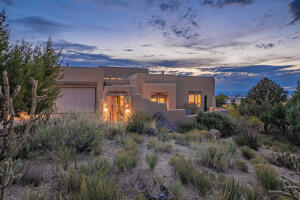 4905 CRESTA DEL SUR Court NE, Albuquerque, NM 87111