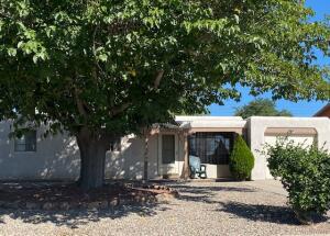 2712 Mary Ellen Street NE, Albuquerque, NM 87112