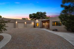 315 LAGUNA SECA Lane NW, Albuquerque, NM 87104