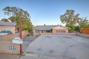 402 Bataan Drive SW, Albuquerque, NM 87121