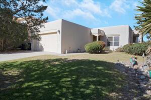 10320 ARROYO BEND Drive NW, Albuquerque, NM 87114