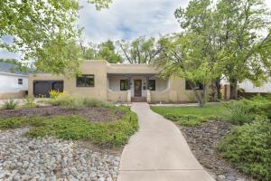 904 Parkland Circle SE, Albuquerque, NM 87108