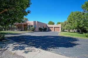 626 VINEYARD Road NE, Albuquerque, NM 87113