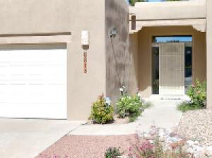8815 CORONA Avenue NE, Albuquerque, NM 87122