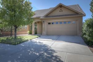 6270 AZALEAS Road NW, Albuquerque, NM 87114