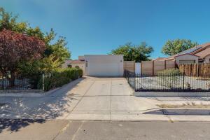 10617 Easy Street NW, Albuquerque, NM 87114