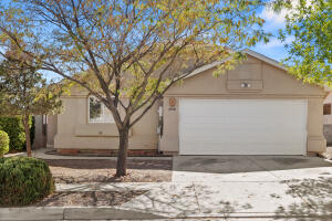 5756 CARMEN Avenue NW, Albuquerque, NM 87114