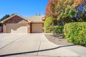 9403 Travilla Drive NW, Albuquerque, NM 87114