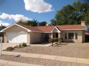 5705 AVENIDA CHIQUITA NW, Albuquerque, NM 87120