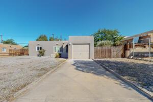 8817 CANDELARIA Road NE, Albuquerque, NM 87112