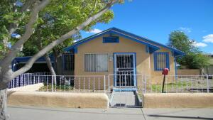 910 7TH Street NW, Albuquerque, NM 87102