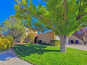 7408 DON TOMAS Lane NE, Albuquerque, NM 87109
