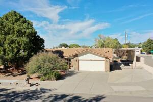 12309 LOS ARBOLES Avenue NE, Albuquerque, NM 87112