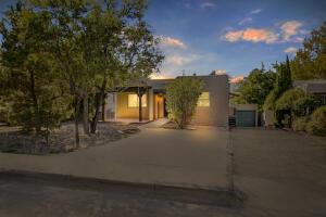 417 RICHMOND Drive SE, Albuquerque, NM 87106