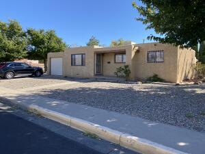 700 INDIANA Street SE, Albuquerque, NM 87108