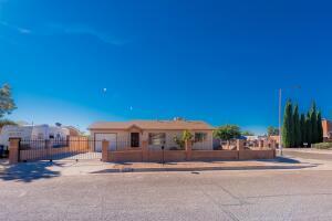 7512 PALM Lane SW, Albuquerque, NM 87121