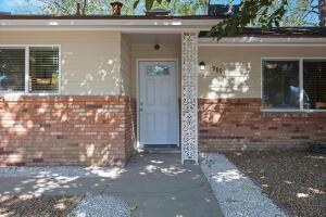 9801 HANNETT Place NE, Albuquerque, NM 87112