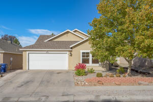10527 PAMPLONA Street NW, Albuquerque, NM 87114