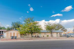 545 DALLAS Street SE, Albuquerque, NM 87108
