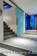Entryway/Staircase