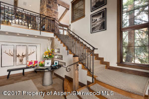 Foyer entry staircase