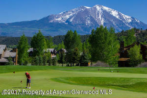 Golfing with Sopris backdrop
