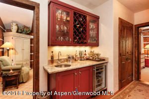 Wet bar off great room and Kitchen