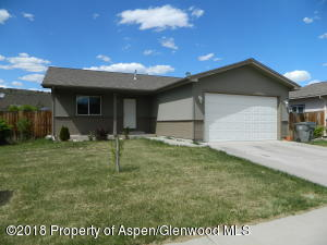 422 W Richards Avenue, Silt, CO 81652
