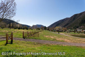 Hoaglund Ranch fencing and common area