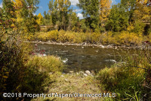 Access to the Roaring Fork River