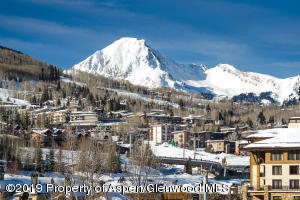 Ski Accessible Snowmass Condo-large-001-