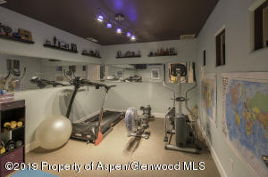 808ClubHouse_HomeGym