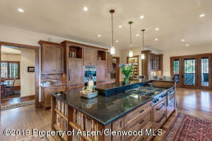 Alder cabinets & black galaxy granite