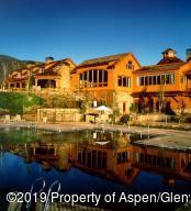 Aspen Glen Club House and pool/spa area