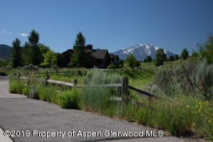 1 Eagle Claw Circle, Glenwood Springs, CO 81601