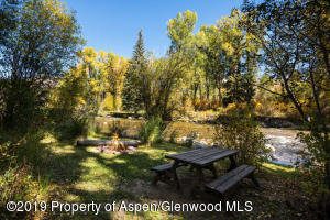 432 Twining Flats Rd Aspen CO-small-010-