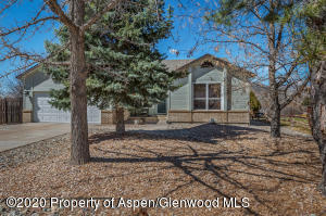 62 Sagemont Circle, Parachute, CO 81635